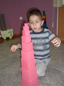 montessori-ružičasti toranj
